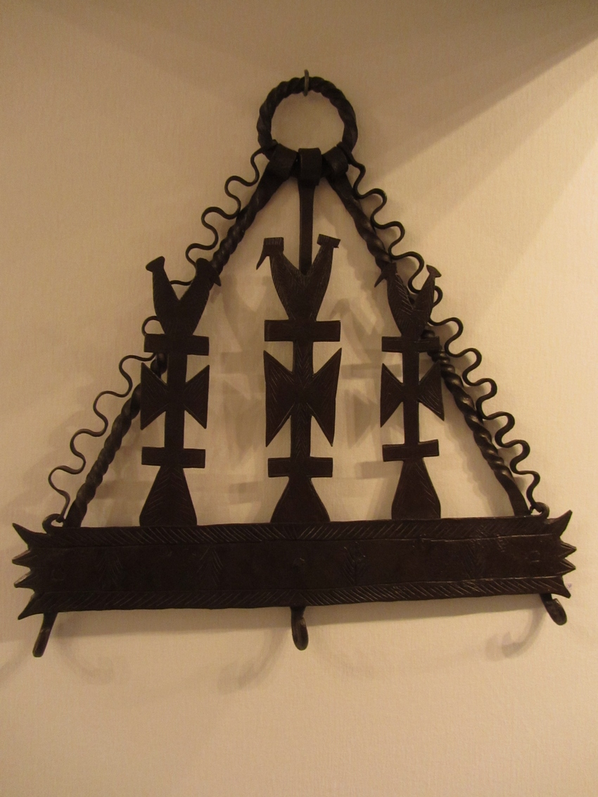 Antique wrougth iron kitchen rack