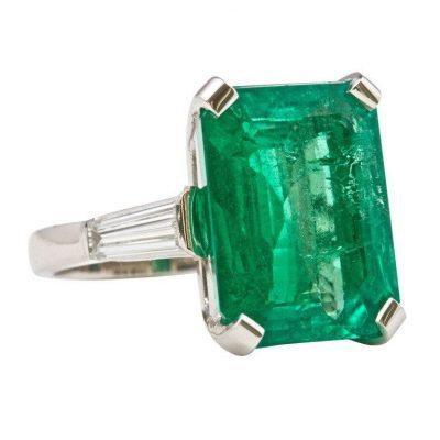 Colombian Emerald Platinum Ring
