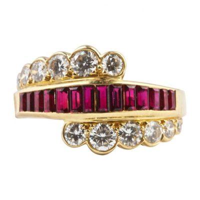Van Cleef & Arpels Ruby Diamond Gold Ring