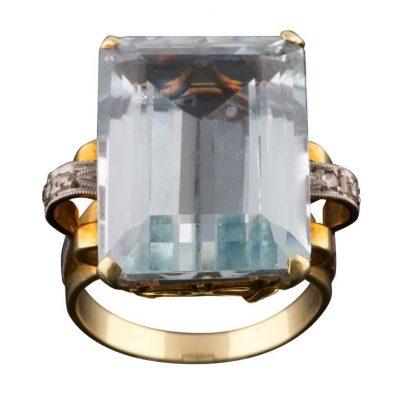 22 ct. Aquamarine Ring