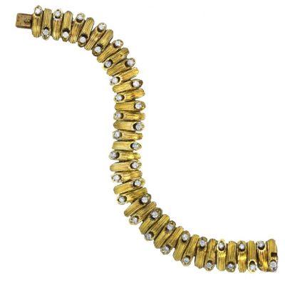 VAN CLEEF & ARPELS Chic Gold and Diamond Bracelet