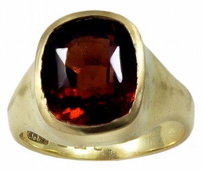 A Mandarin Garnet Signet Ring