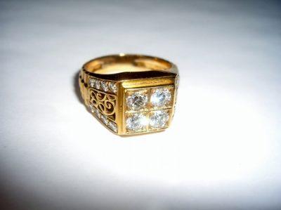 Man's 18K Gold Diamond Ring Vintage