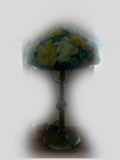 Victorian Pairpoint Puffy Lamp Yellow Roses